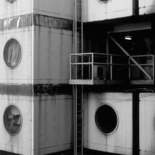 Nakagin Capsule Tower - Shimbashi | Kisho Kurokawa (Japan) 1972 中銀カプセルタワー